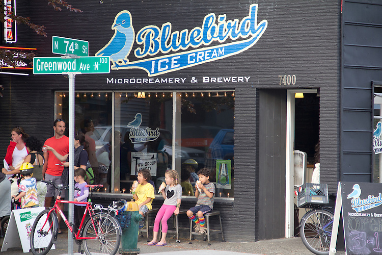 Seattle, Phinney Ridge, Greenwood Avenue, street scene, Bluebird Ice Cream, summer ice cream and kids,