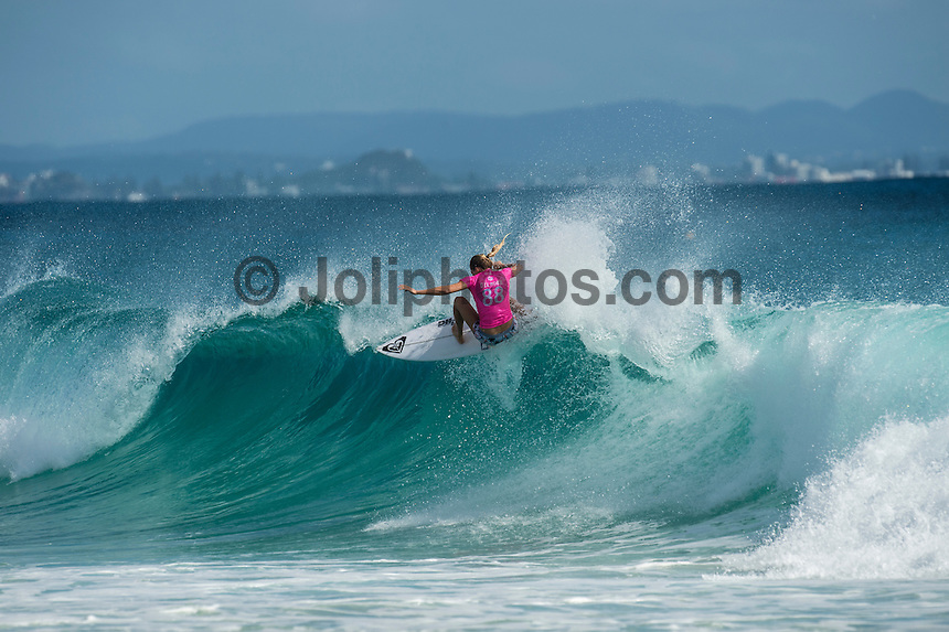 Snapper Rocks, COOLANGATTA, Queensland/AUS (Tuesday, March 15, 2016)  Stephanie Gilmore (AUS) - The Quiksilver and Roxy Pro Gold Coast, the opening stop on the 2016  WSL Championship Tour recommenced at 7:35am this morning with men&rsquo;s and women&rsquo;s Round 4 and the women&rsquo;s Quarterfinals called on in clean three-to-five foot (1 - 1.5 metre) waves at Snapper Rocks.<br /> <br /> There was a break during the high tide with only two heats of the men's Round five not completed.<br /> <br />  .Photo: joliphotos.com