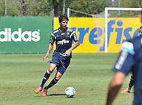 SÃO PAULO.SP. 02.04.2015 - PALMEIRAS TREINO - Victor Ramos zagueiro do Palmeiras durante o treino na Academia de Futebol zona oeste na nesta quinta feira 02.  ( Foto: Bruno Ulivieri / Brazil Photo Press )