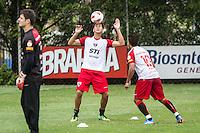 SÃO PAULO, SP, 29 DE OUTUBRO DE 2013 - TREINO SAO PAULO - O jogador do São Paulo, Paulo Henrique Ganso, durante treino no CT da Barra Funda, região leste da capital, na manhã desta terça-feira, 29. FOTO: MARCELO BRAMMER / BRAZIL PHOTO PRESS