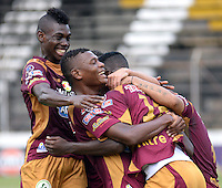 IBAGUE -COLOMBIA, 31-ENERO-2015. Marco Perez  del Deportes Tolima celebra su gol  contra el  Chico F.C durante la primera fecha de La Liga Aguila jugado en el estadio Manuel Murillo Toro de la ciudad de Ibague. / Marco Perez of Deportes Tolima celebrates his goal  against   of Chico F.C.  during the first round of La Liga Aguila played at Manuel Murillo Toro   stadium in Ibague city. Photo / VizzorImage / Juan Carlos Escobar / Stringer