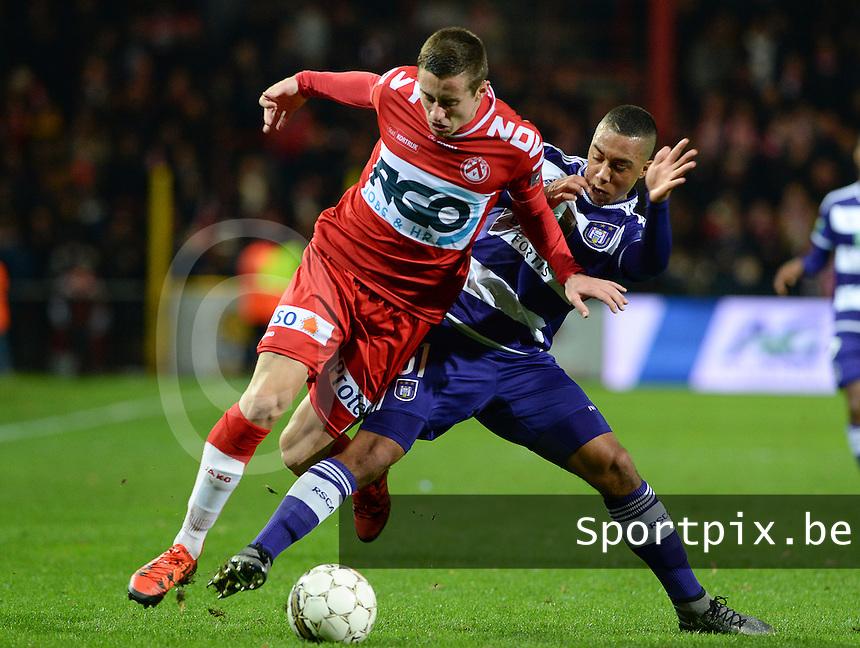 KV Kortrijk - RSC Anderlecht : Youri Tielemans (r) haalt Adam Marusic (links) neer<br /> Foto VDB / Bart Vandenbroucke