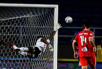 CALI - COLOMBIA, 15-09-2018: Carlos Bejarano, guardavallas de América de Cali en accion, durante partido entre América de Cali y Deportivo Pasto, de la fecha 10 por la Liga Aguila II 2018 jugado en el estadio Pascual Guerrero de la ciudad de Cali. / Carlos Bejarano, goalkeeper of America de Cali in action, during a match between America de Cali and Deportivo Pasto, of the 10th date for the Liga Aguila II 2018 at the Pascual Guerrero stadium in Cali city. Photo: VizzorImage / Luis Ramirez / Staff.