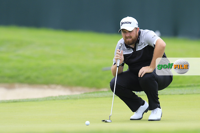Shane Lowry (IRL) on 4th green during Thursday's Round 1 of the 2016 U.S. Open Championship held at Oakmont Country Club, Oakmont, Pittsburgh, Pennsylvania, United States of America. 16th June 2016.<br /> Picture: Eoin Clarke | Golffile<br /> <br /> <br /> All photos usage must carry mandatory copyright credit (&copy; Golffile | Eoin Clarke)