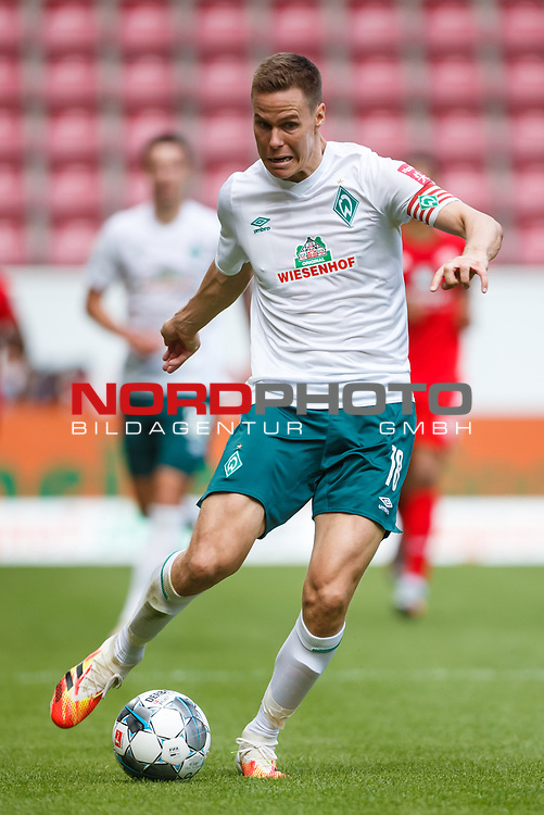 Niklas Moisander (SV Werder Bremen) mit Ball, <br /> <br /> Sport: Fussball: 1. Bundesliga:: nphgm001:  Saison 19/20: 33. Spieltag: 1. FSV Mainz 05 vs SV Werder Bremen 20.06.2020<br /> Foto: Neis/Eibner/Pool/via gumzmedia/nordphoto<br />