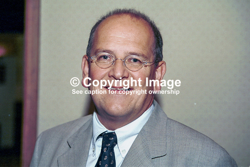 Glyn Ford, Labour Party, MEP, Britain, UK, Ref: 199810027..Copyright Image from Victor Patterson, 54 Dorchester Park, Belfast, UK, BT9 6RJ..Tel: +44 28 9066 1296.Mob: +44 7802 353836.Voicemail +44 20 8816 7153.Skype: victorpattersonbelfast.Email: victorpatterson@mac.com.Email: victorpatterson@ireland.com (back-up)..IMPORTANT: If you wish to use this image or any other of my images please go to www.victorpatterson.com and click on the Terms & Conditions. Then contact me by email or phone with the reference number(s) of the image(s) concerned.