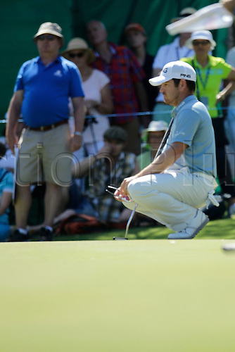 28.02.2016. Perth, Australia. ISPS HANDA Perth International Golf. Tournament winner Louis Oosthuizen (ZAF) lines up his putt on the 9th during his final round.