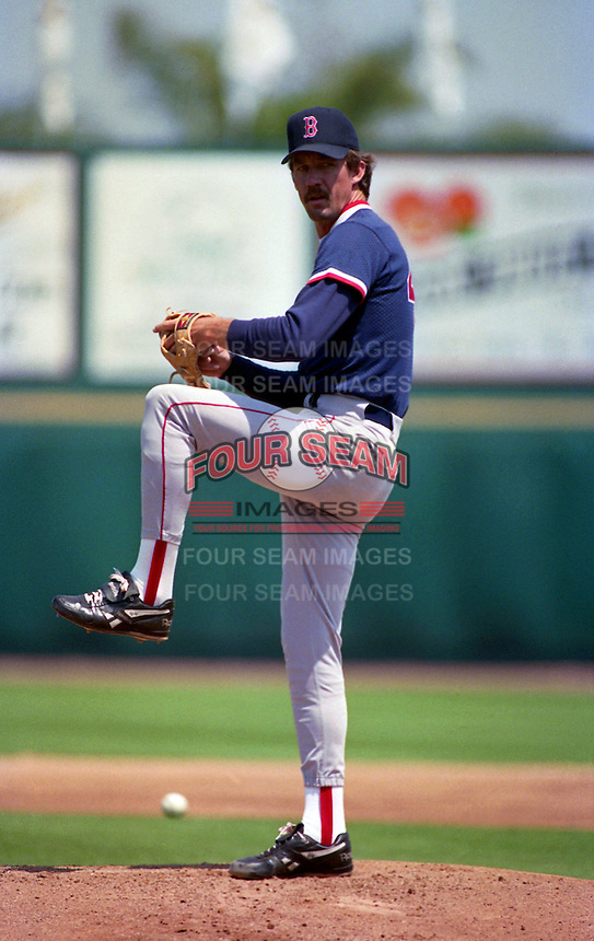 Boston Red Sox pitcher Danny Darwin (44) during Spring Training 1993 at McKechnie Field in Bradenton, Florida.  (MJA/Four Seam Images)