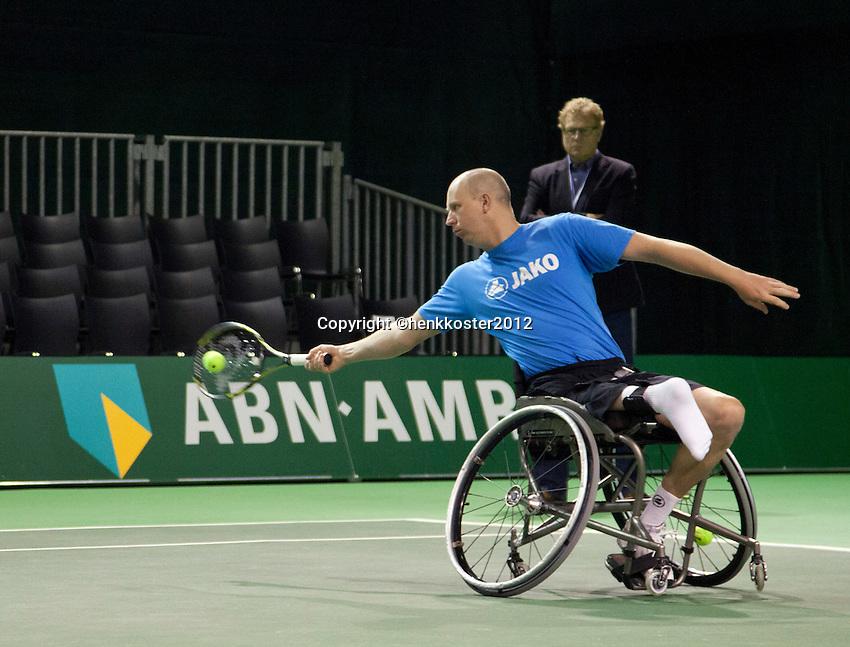 18-02-12, Netherlands,Tennis, Rotterdam, ABNAMRO WTT, Ronald Vink training