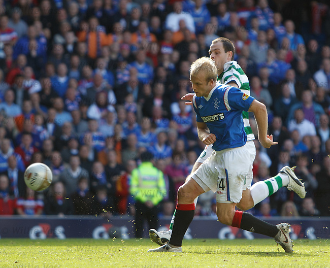 Steven Naismith scores his second and Rangers' fourth goal of the match