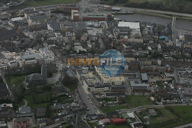 Aerial view of Drogheda showing St.Mary's Church of Ireland Church, looking south. 12/04/05...Photo NEWSFILE/Fran Caffrey.(Photo credit should read Fran Caffrey/NEWSFILE)....This Picture has been sent you under the condtions enclosed by:.Newsfile Ltd..The Studio,.Millmount Abbey,.Drogheda,.Co Meath..Ireland..Tel: +353(0)41-9871240.Fax: +353(0)41-9871260.GSM: +353(0)86-2500958.email: pictures@newsfile.ie.www.newsfile.ie.FTP: 193.120.102.198...This picture is from Fran Caffrey@newsfile.ie
