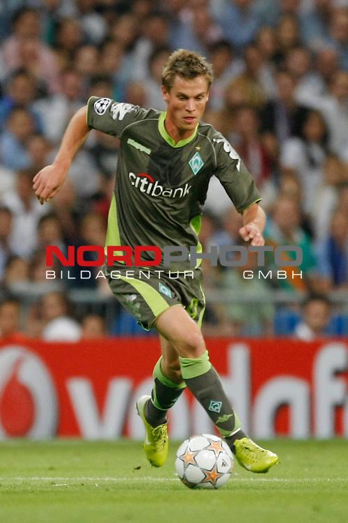 UEFA  Champions League  2007/2008 Gruppe C <br />1. Gruppenspiel - SANTIAGO BERNABEU Stadion Madrid<br /><br />REAL MADRID - WERDER BREMEN <br /><br />Markus Rosenberg ( Bremen SWE #9 )<br /><br /><br />Foto &copy; nph (  nordphoto  )<br /><br /><br /><br /> *** Local Caption ***
