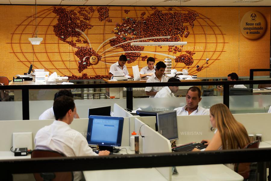 Bresil, etat Minas Gerais, Guaxupe, Cooxupe, 31 octobre 2012.<br /> <br /> Salle de tracking de Cooxupe, l&rsquo;une des plus grosses cooperatives bresiliennes de cafe. Elle a signe un partenariat avec Nespresso dans le cadre du Programme AAA. Elle dispose de plusieurs sites dont celui de Guaxupe qui s'est dote, en 2008, d'un laboratoire ultra-moderne d'analyse du cafe.<br /> Reportage les Chants de cafe_soul of coffee, realise sur les acteurs terrain du programme de developpement durable Triple AAA de Nespresso.<br /> <br /> Brazil, Minas Gerais, Guaxupe, Cooxupe, October 31, 2012 <br /> <br /> The tracking room at Cooxupe, one of the largest coffee cooperatives in Brazil, signed a partnership with Nespresso AAA Program. Cooxupe has several sites, including one in Guaxupe, which in 2008 acquired a state-of-the-art laboratory to analyze coffee. <br /> Assignment: les Chants de cafe_ Soul of Coffee, implemented on the fields of Nespresso&rsquo;s AAA Sustainable Quality Program.