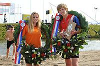 FIERLJEPPEN/POLSTOKVERSPRINGEN: 26-08-2017 Jaarsveld, Nederlands kampioenschap, broer en zus Fabiënne Overbeek 16.05 m (dames)  en Reinier Overbeek 19.17m (jongens), ©foto Martin de Jong