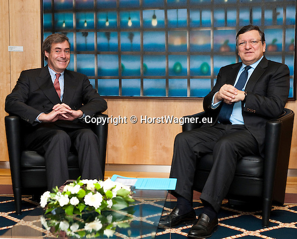 Brussels-Belgium - January 27, 2014 -- José (Jose) Manuel DURAO BARROSO (ri), President of the European Commission, receives Ingo KRAMER (le), President of the Confederation of German Employers' Associations (BDA, Bundesvereinigung der Deutschen Arbeitgeberverbände) -- Photo: © HorstWagner.eu