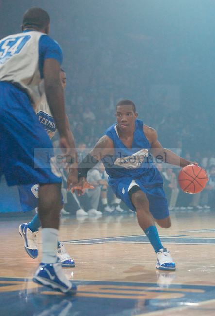 Freshman guard Eric Bledsoe drives down the court during the Men's scrimmage during Big Blue Madness on Oct., 16, 2009 in Rupp Arena...Photo By Ed Matthews