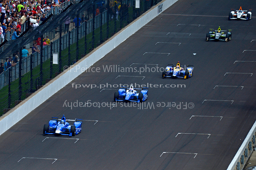 Verizon IndyCar Series<br /> Indianapolis 500 Race<br /> Indianapolis Motor Speedway, Indianapolis, IN USA<br /> Sunday 28 May 2017<br /> Tony Kanaan, Chip Ganassi Racing Teams Honda, Scott Dixon, Chip Ganassi Racing Teams Honda, Alexander Rossi, Andretti Herta Autosport with Curb-Agajanian Honda, Ed Carpenter, Ed Carpenter Racing Chevrolet, JR Hildebrand, Ed Carpenter Racing Chevrolet<br /> World Copyright: F. Peirce Williams<br /> LAT Images