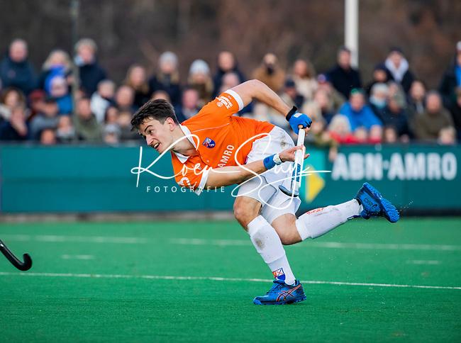 BLOEMENDAAL - Tim Swaen (Bldaal) tijdens  hoofdklasse competitiewedstrijd  heren , Bloemendaal-Rotterdam (1-1) .COPYRIGHT KOEN SUYK