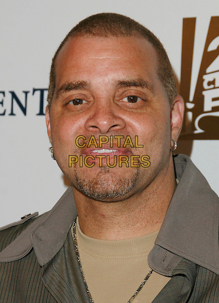 SINBAD.Chairman & CEO Tom Rothman at the Annual Stars 2006 Benefit Gala held at the Beverly Hilton Hotel, Beverly Hills, California, USA, 16 October 2006..portrait headshot.Ref: ADM/CH.www.capitalpictures.com.sales@capitalpictures.com.©Charles Harris/AdMedia/Capital Pictures.
