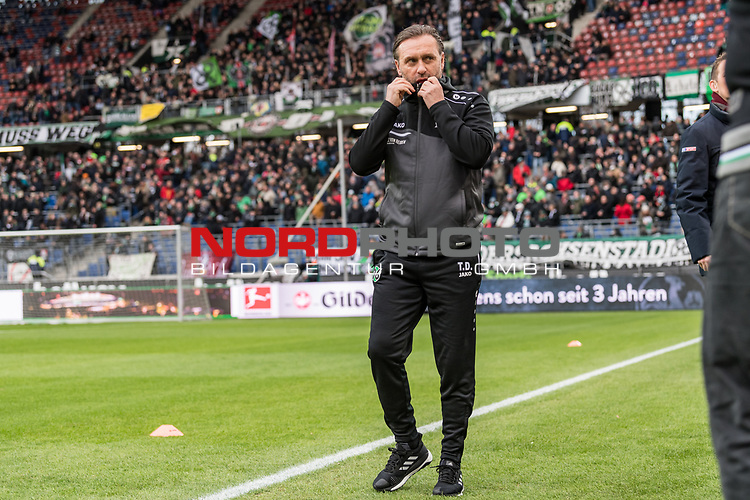 09.02.2019, HDI Arena, Hannover, GER, 1.FBL, Hannover 96 vs 1. FC Nuernberg<br /> <br /> DFL REGULATIONS PROHIBIT ANY USE OF PHOTOGRAPHS AS IMAGE SEQUENCES AND/OR QUASI-VIDEO.<br /> <br /> im Bild / picture shows<br /> Thomas Doll (Trainer Hannover 96), <br /> <br /> Foto &copy; nordphoto / Ewert