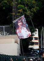 SAO PAULO, SP, 25 DE MARCO DE 2012 - CAMP. PAULISTA CORINTHIANS X PALMEIRAS - Balao homenageia os 52 anos de vida que o piloto Ayrton Senna completaria na ultima semana  momentos antes da partida entre Corinthians x <br /> Palmeiras em partida valida pela 15 rodada do Campeonato Paulista, no Estadio Paulo Machado de Carvalho (Pacaembu), neste domingo. 25. (FOTO: WILLIAM VOLCOV / BRAZIL PHOTO PRESS).
