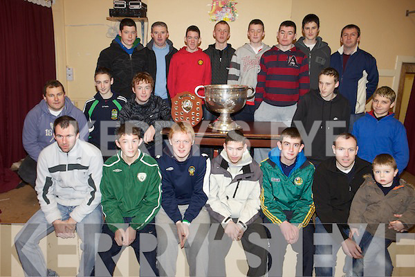 Owen to finish cap.MEDALS: Kerry footballers Mike McCarthy and Seamus Moynihan were on hand to present medals to the Listry U-16 team on Saturday evening.