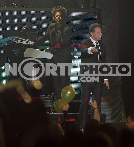 Luis Miguel durante su concierto en  Leon 2013 , Guanajuato el 26 de febrero del 2013.<br /> (©*TiradorTercero/NortePhoto*) ***<br /> ©/NortePhoto nortephoto@gmail.com