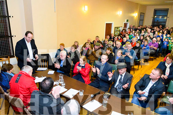 Tom O'Callaghan of the Independent Postmasters Group travelled from Limerick to address the people of Glencar who turned out in great numbers to oppose the closure of their Post Office.