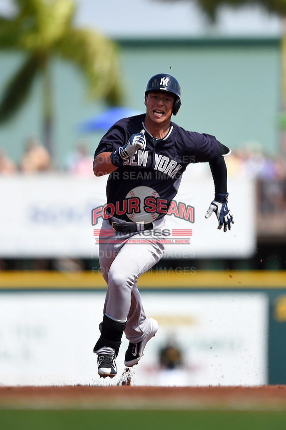 New York Yankees second baseman Rob Refsnyder (98) during a Spring Training game against the Pittsburgh Pirates on March 5, 2015 at McKechnie Field in Bradenton, Florida.  New York defeated Pittsburgh 2-1.  (Mike Janes/Four Seam Images)