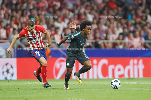 (L-R) Lucas Hernandez (Atletico), Willian (Chelsea), SEPTEMBER 27, 2017 - Football / Soccer : UEFA Champions League Mtchday 2 Group C match between Club Atletico de Madrid 1-2 Chelsea FC at the Estadio Metropolitano in Madrid, Spain. (Photo by Mutsu Kawamori/AFLO) [3604]