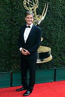 PASADENA - APR 29: Dr Mehmet Oz at the 45th Daytime Emmy Awards Gala at the Pasadena Civic Center on April 29, 2018 in Pasadena, California