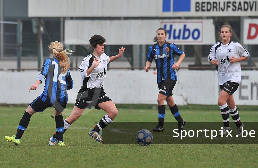 Club Brugge Dames - Eendracht Aalst Dames : Tecla Donadoni aan de bal.foto Joke Vuylsteke / Vrouwenteam.be