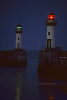 Europe/France/Bretagne/56/Morbihan/Belle-île/Le Palais: Le port et les phares à la tombée de la nuit
