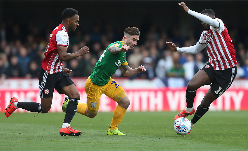 Preston North End's Sean Maguire surges forward<br /> <br /> Photographer Rob Newell/CameraSport<br /> <br /> The EFL Sky Bet Championship - Brentford v Preston North End - Sunday 5th May 2019 - Griffin Park - Brentford<br /> <br /> World Copyright © 2019 CameraSport. All rights reserved. 43 Linden Ave. Countesthorpe. Leicester. England. LE8 5PG - Tel: +44 (0) 116 277 4147 - admin@camerasport.com - www.camerasport.com