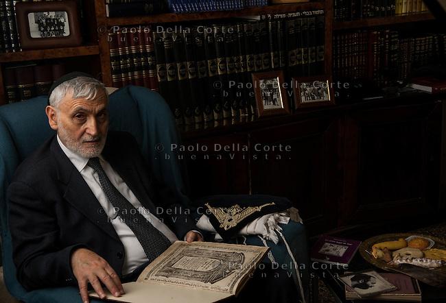 Venezia - Il rabbino capo Scialom Babhout ritratto nel suo studio.