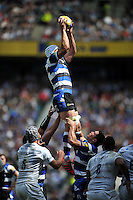 Dave Attwood of Bath Rugby wins the ball at a lineout. Aviva Premiership Final, between Bath Rugby and Saracens on May 30, 2015 at Twickenham Stadium in London, England. Photo by: Patrick Khachfe / Onside Images
