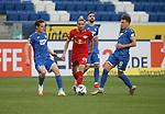 Sebastian Rudy (TSG 1899 Hoffenheim), Kevin Kampl (RB Leipzig) und Dennis Geiger (TSG 1899 Hoffenheim)<br /> <br /> Sport: Fussball: LIGA: Saison 19/20: TSG 1899 <br /> Hoffenheim-RB Leipzig, 12.06.2020.<br /> <br /> Foto: RALF POLLER/AVANTI/POOL/PIX-Sportfotos<br /> <br /> Nur für journalistische Zwecke! Only for editorial use! <br /> Gemäß den Vorgaben der DFL Deutsche Fußball Liga ist es untersagt, in dem Stadion und/oder vom Spiel angefertigte Fotoaufnahmen in Form von Sequenzbildern und/oder videoähnlichen Fotostrecken zu verwerten bzw. verwerten zu lassen. DFL regulations prohibit any use of photographs as image sequences and/or quasi-video.