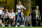 06.10.2018, Signal Iduna Park, Dortmund, GER, DFL, BL, Borussia Dortmund vs FC Augsburg, DFL regulations prohibit any use of photographs as image sequences and/or quasi-video<br /> <br /> im Bild Manuel Baum (FC Augsburg) Gestik / Geste / gestikuliert / <br /> <br /> Foto &copy; nph/Horst Mauelshagen