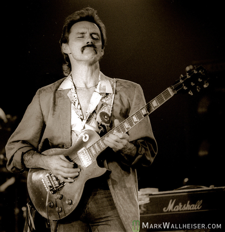 Dickey Betts plays with the Allman Brothers Band at the Musical Moon in Tallahassee, Florida January 20, 1987.