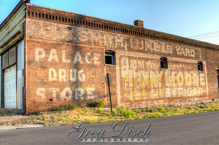 Murals on old buildings in Galena Kansas or Route 66.
