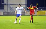 2015-10-17 / Voetbal / Seizoen 2015-2016 / KSK Heist -  Tubeke / Kenneth Van Goethem (l. Heist) met Sega Keita<br /><br />Foto: Mpics.be