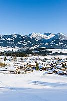 Deutschland, Bayern, Oberallgaeu, Bolsterlang: Ortsuebersicht - Winter  | Germany, Bavaria, Upper Allgaeu, Bolsterlang and Allgaeu Alps