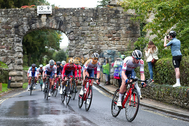 Great Britain at the front of the chasing pack during the Men's Junior Road Race of the UCI World Championships 2019 running 148km from Richmond to Harrogate, England. 26th September 2019.<br /> Picture: Alex Whitehead/SWpix.com | Cyclefile<br /> <br /> All photos usage must carry mandatory copyright credit (© Cyclefile | Alex Whitehead/SWpix.com)