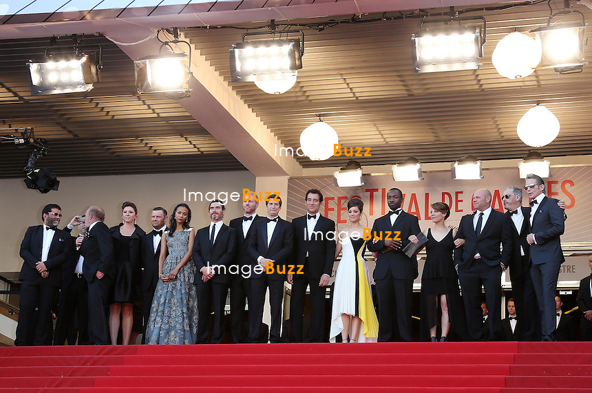 CPE/Actors Zoe Saldana, Billy Crudup, Noah Emmerich, director Guillaume Canet, actor Clive Owen, actress Marion Cotillard and James Caan attend the Premiere of 'Blood Ties' during the 66th Annual Cannes Film Festival at the Palais des Festivals on May 20, 2013 in Cannes, France.