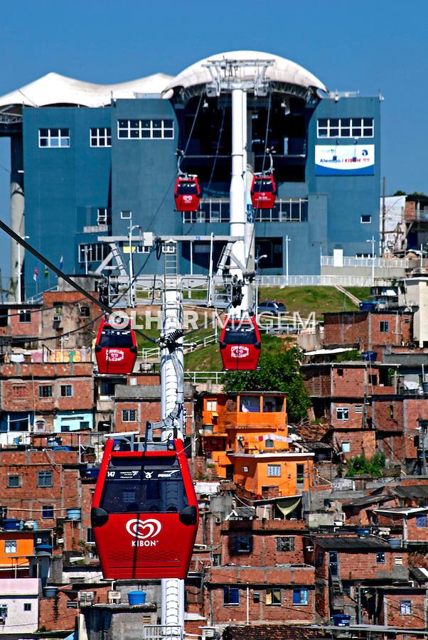 Teleferico do Complexo de Favelas do Alemao, Estaçao Morro do Alemao. Rio de Janeiro, 2012. Foto de Rogerio Reis.