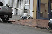SAO PAULO,SP, 22.10.2014 - MORTE OFICIAL PM - Um oficial da reserva da Polícia Militar reagiu a um assalto e foi morto a tiros na manhã desta quarta-feira (22) na Rua Engenheiro Lauro Penteado, no bairro do Ipiranga, zona sul de São Paulo. (Foto: Carlos Pessuto / Brazil Photo Press).