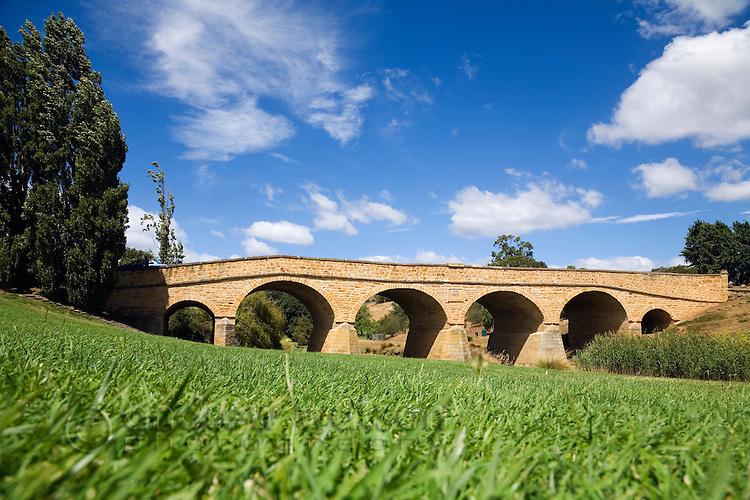 Richmond Bridge - the first stone bridge in Australia, built by convicts in 1823.  Richmond, Tasmania, Australia