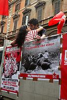 Roma 25 Aprile 2006. Manifestazione per il 60° anniversario  della liberazione dal Nazifascismo da Porta San Paolo..Roma25 April 2006. Demonstration for the 60th anniversary of liberation from Nazi-fascism from Porta San Paolo