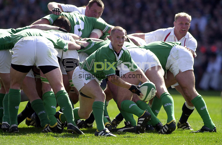 Pix: Matthew Lewis/SWpix.com. International Rugby Union. The RBS Six Nations. Ireland v England. 30/03/03..COPYRIGHT PICTURE>>SIMON WILKINSON>>01943 436649>>..Ireland's Peter Stringer.