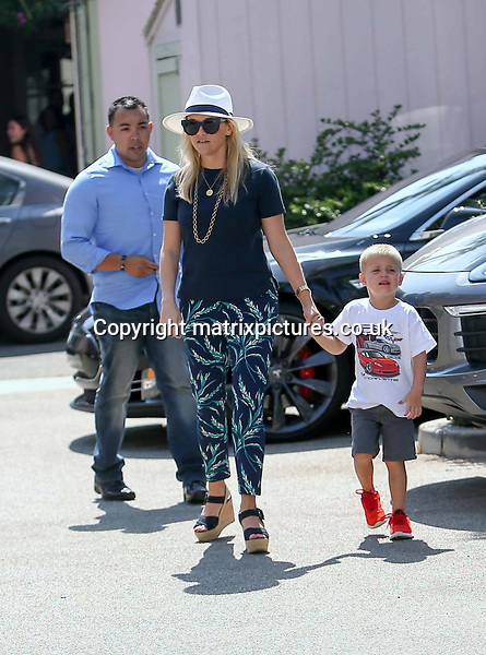 NON EXCLUSIVE PICTURE: MATRIXPICTURES.CO.UK<br /> PLEASE CREDIT ALL USES<br /> <br /> UK & AUSTRALIAN RIGHTS ONLY<br /> <br /> American actress Reese Witherspoon is spotted visiting a Santa Monica restaurant with her son Tennessee, California.<br /> <br /> AUGUST 18th 2016<br /> <br /> REF: MXP 162775<br /> <br /> WCN20160828AG5P2532